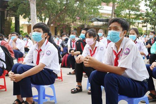 TP.HCM: Đề xuất tiêm vắc xin cho học sinh 12-18 tuổi để trở lại trường