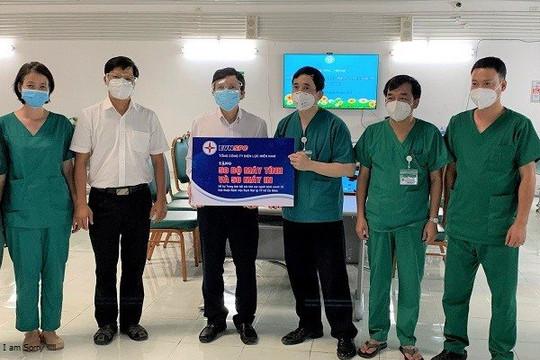 Tặng 200 bộ máy tính, máy in cho Trung tâm Hồi sức tích cực người bệnh COVID-19 Bệnh viện Bạch Mai tại TP.HCM