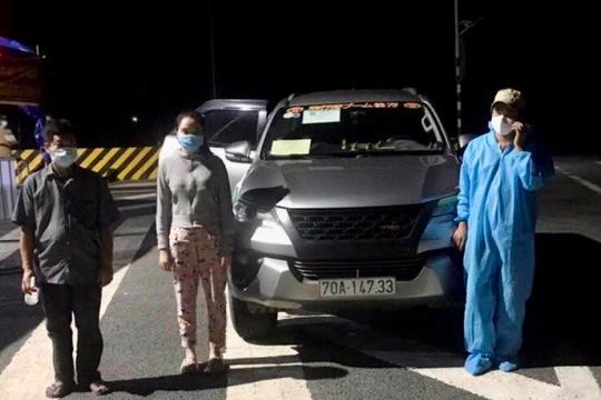 Tài xế chở thuê 2 người từ Tây Ninh về Kiên Giang tránh dịch bị phạt 7,5 triệu đồng