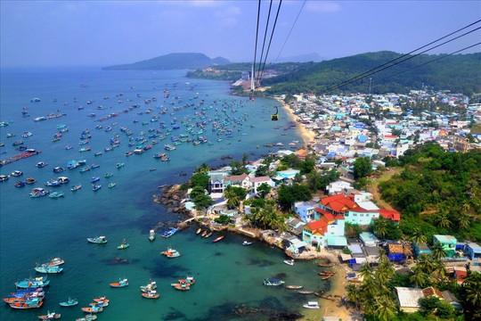 Thủ tướng đồng ý đề xuất thí điểm đón khách du lịch đến Phú Quốc