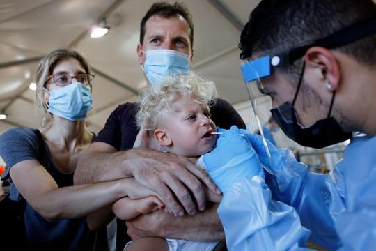 Khoảng 1/10 đứa trẻ ở Israel có triệu chứng COVID-19 kéo dài, nguy cơ bị sa sút trí tuệ