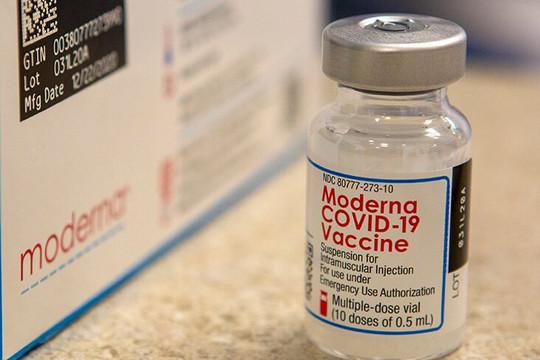 Moderna hé lộ hiệu quả bảo vệ của vắc xin COVID-19 ở hơn 10.000 người tiêm 13 tháng và 8 tháng trước