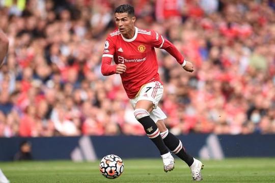 Huyền thoại Liverpool: Ronaldo nâng tầm chứ không thể giúp Man United vô địch Premier League