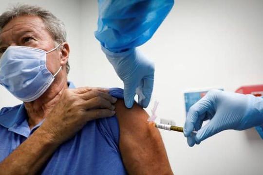 Ủy ban của FDA Mỹ bác bỏ tiêm vắc xin COVID-19 tăng cường trên diện rộng