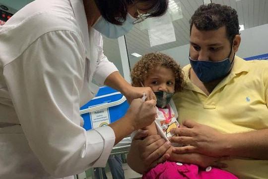 Cuba tiêm vắc xin COVID-19 cho trẻ em từ 2 tuổi trong chiến lược mở cửa lại trường học, nền kinh tế