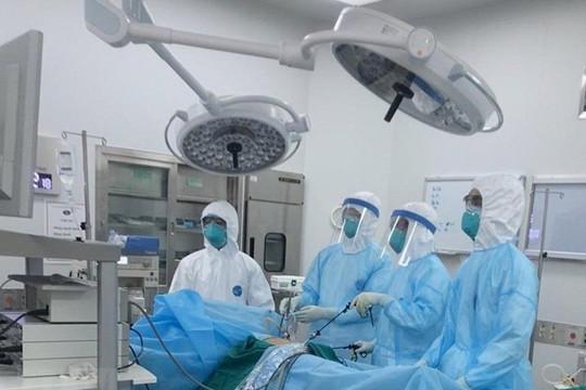Thủ tướng yêu cầu nghiên cứu 2 phương pháp điều trị bệnh nhân COVID-19