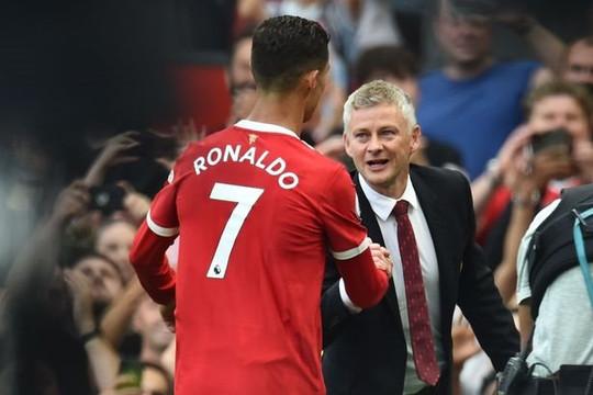 Cristiano Ronaldo sắp vượt qua thành tích ghi bàn của Solskjaer cho Man United