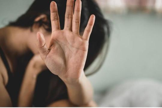 Tấn công tình dục liên quan đến tổn thương não ở phụ nữ