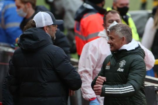 Solskjaer đổ lỗi cho Klopp vì Ronaldo và Lingard bị từ chối 3 quả penalty