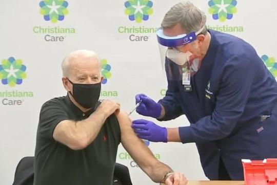 Tổng thống Biden nhận liều vắc xin Pfizer thứ 3 sau mũi thứ 2 bao lâu?