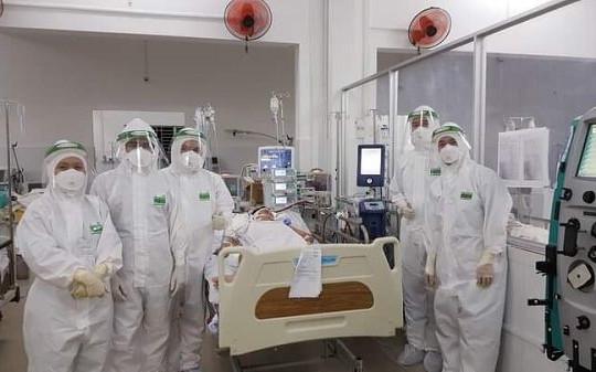 Cứu sống sản phụ lao màng phổi mắc COVID-19 nguy kịch nhờ kỹ thuật ECMO