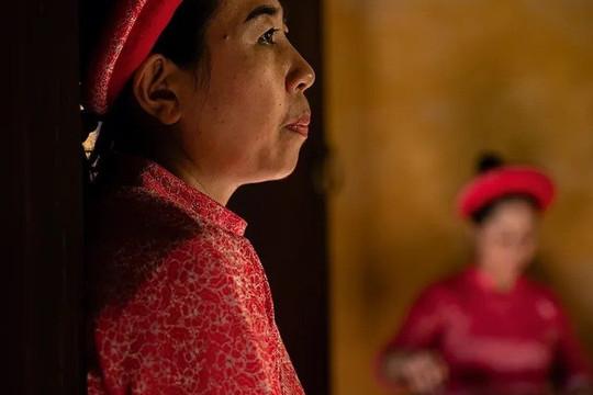 Bức ảnh phụ nữ Huế có trong Ảnh đẹp du lịch của National Geographic Traveller
