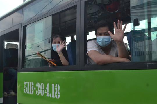 Cảnh báo giả mạo đưa đón người dân từ TP.HCM về các tỉnh
