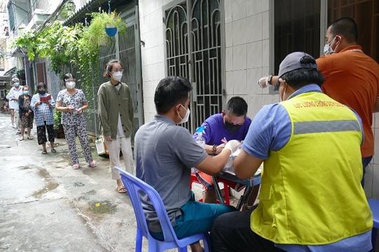 TP.HCM sẽ lập 3 đoàn kiểm tra việc hỗ trợ người dân bị ảnh hưởng dịch