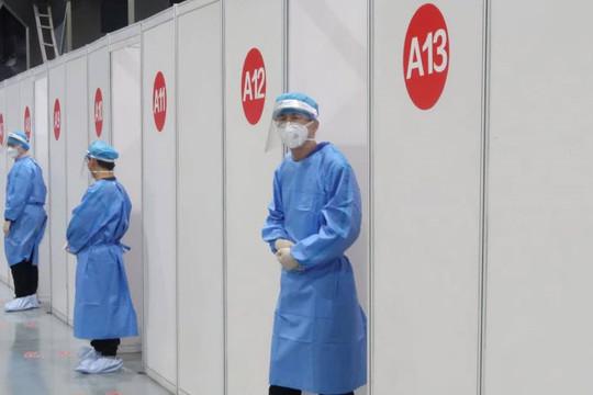 Quan chức Trung Quốc cảnh báo nguy cơ dịch COVID-19 lan rộng, hy vọng có vắc xin tốt hơn